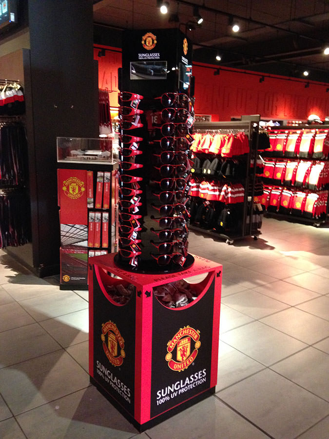 Manchester United - Sunglasses carousel for the Club shop
